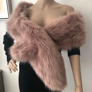 NWT Asos Faux fur shawl collar scarf off shoulder
